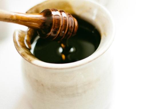 Miele o zucchero a colazione? La scelta è facile, basta che sia eccelso